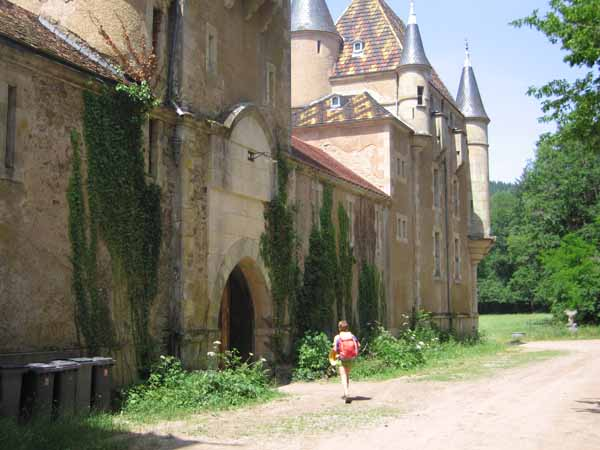 Walking in France: The grand entrance to the camping reception