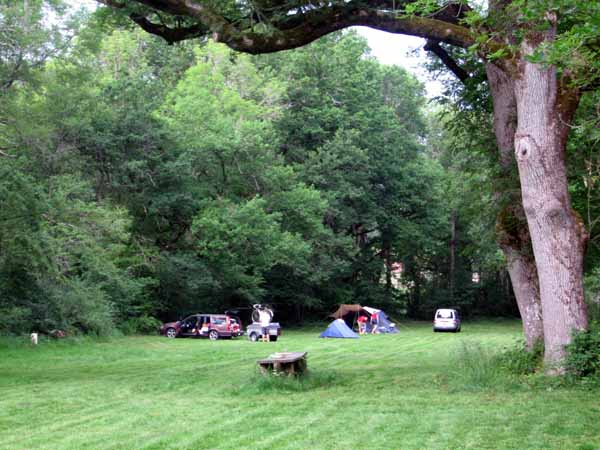 Walking in France: Our little tent in the camping ground of the Château de Valogne