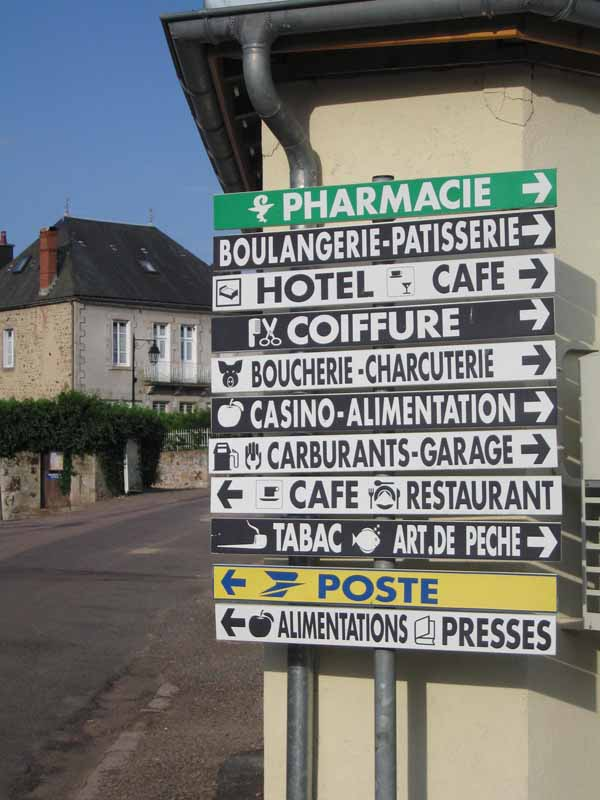 Walking in France: A perfect sign for walkers - Anost has all the necessaries