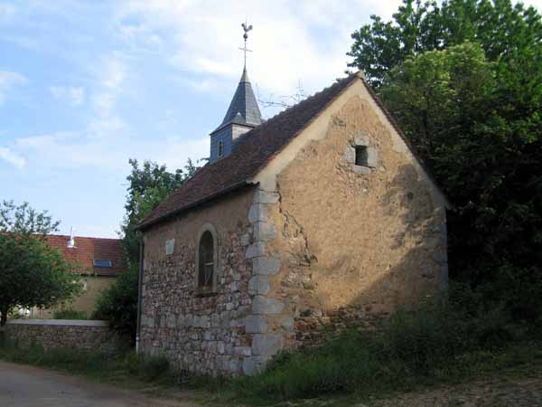 Walking in France: The tiny church in Montcimet