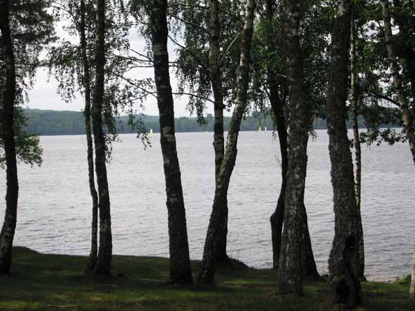 Walking in France: Lac des Settons