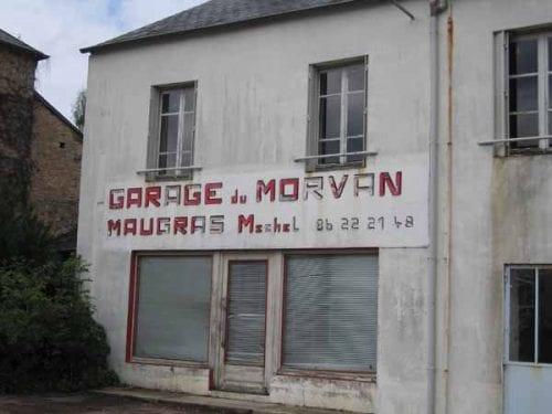 Walking in France: A defunct garage in Brassy