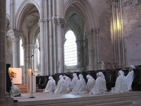 Walking in France: Vespers in Vézelay