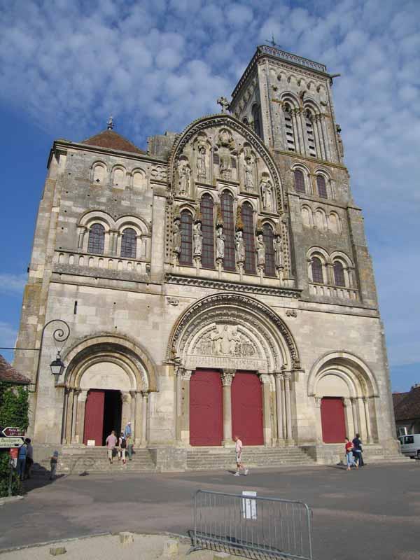 Walking in France: The facade of the basilica, Vézelay