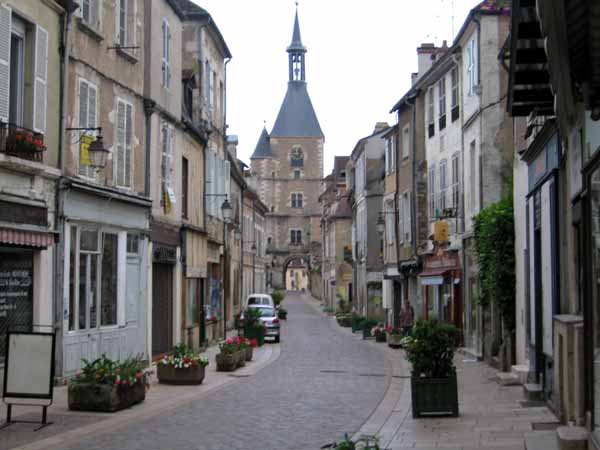 Walking in France: Walking into Avallon in the late afternoon