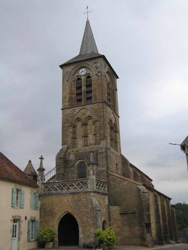 Walking in France: Church at Pontaubert