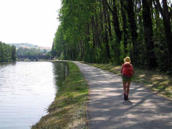 Walking in France: Approaching Vincelles