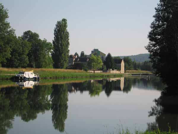 Walking in France: A quiet stretch of the Yonne