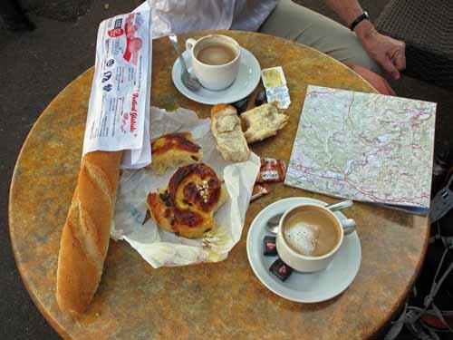 Walking in France: A second breakfast