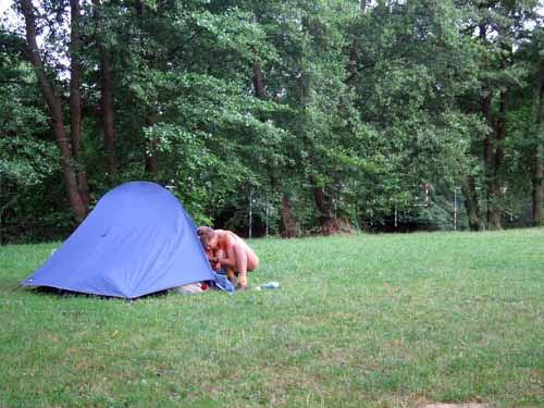 Walking in France: A late start in the Saint-Père camping ground