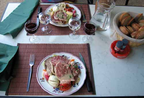 Walking in France: Starters, unlimited charcuterie and crudités at the Hotel de la Poste