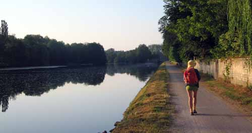 Walking in France: Beside the Yonne