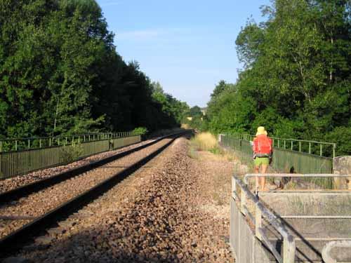 Walking in France: A shortcut along the railway tracks