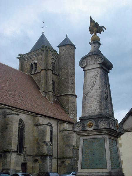 Walking in France: The church of Saint-Léger, Tannay