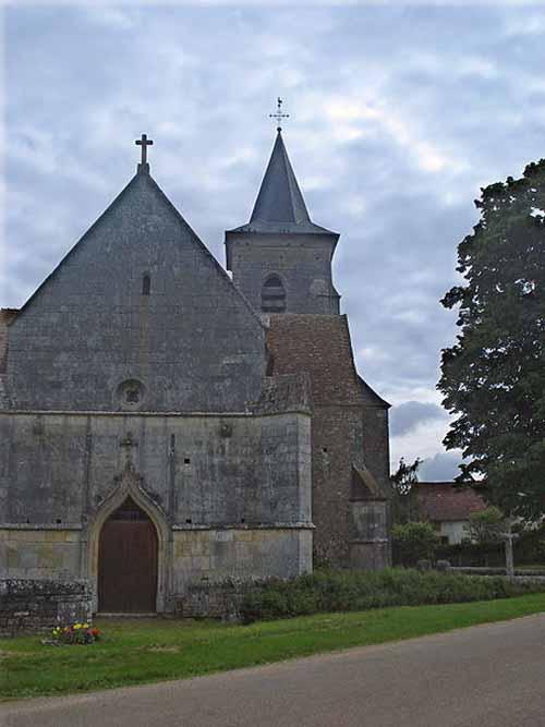 Walking in France: Church at Cuncy-les-Varzy