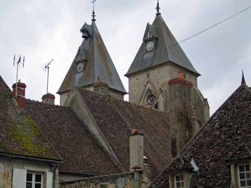 Walking in France: A final look at the twin towers of Saint-Pierre, Varzy
