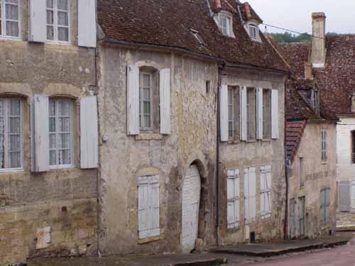 Walking in France: Street scene, Varzy