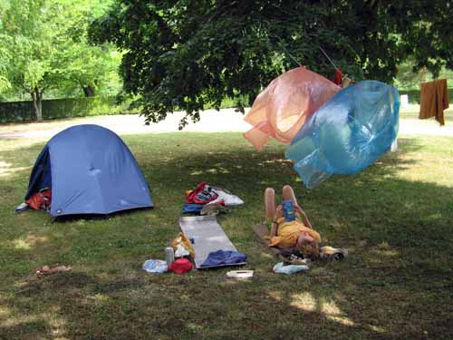 Walking in France: Drying out at the camping ground of Donzy-le-Pre