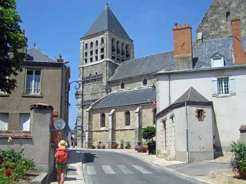 Walking in France: Arriving in Chécy
