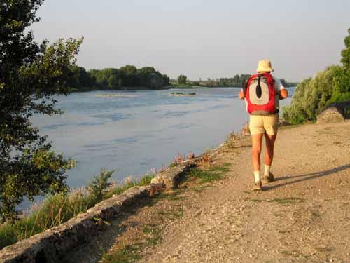 Walking in France: Approaching Meung
