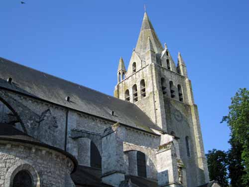 Walking in France: Eleventh-century church, Meung