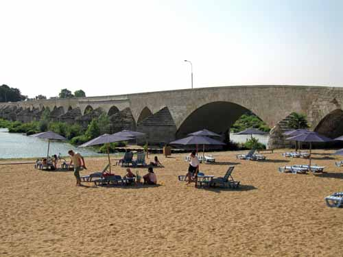 Walking in France: The beach at Beaugency