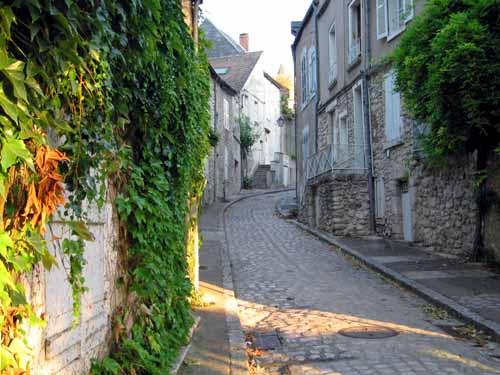 Walking in France: Early Sunday morning in Beaugency