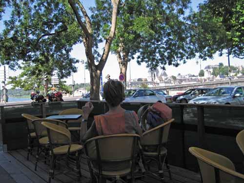 Walking in France: Coffee in Blois