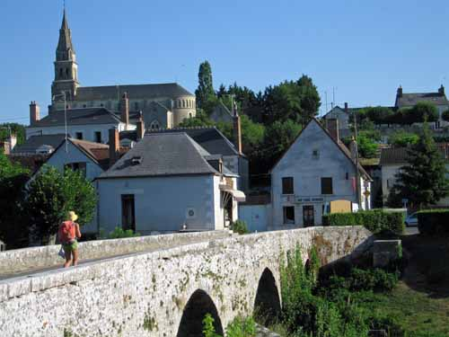 Walking in France: Heading back to the village for second breakfast