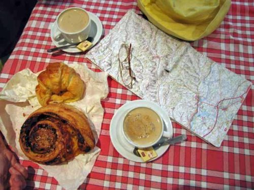 Walking in France: Second breakfast with the impressive pain aux raisins from Lafrançaise