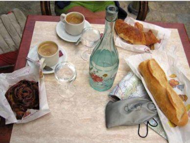 Walking in France: Second breakfast in Arpaillargues