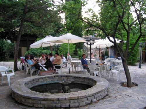 Walking in France: Dinner in the courtyard of our hotel, l'Esquielle