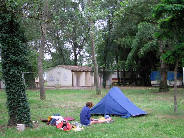 Walking in France: The Chercheur d'Or camping ground, Cardet
