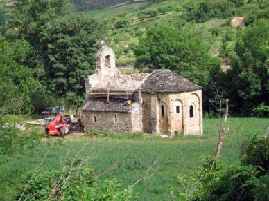 Walking in France: Chapel of Saint-Baudile