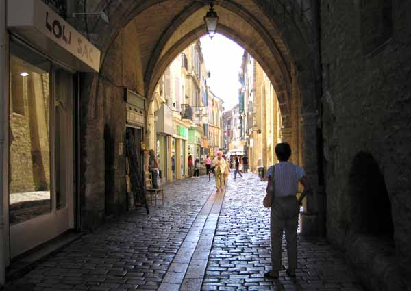 Walking in France: Exploring Apt