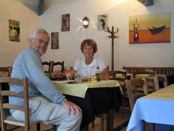 Walking in France: The delightful and much needed new hotel-restaurant in Lauzerte