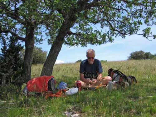 Walking in France: Lunch on the Grand Luberon