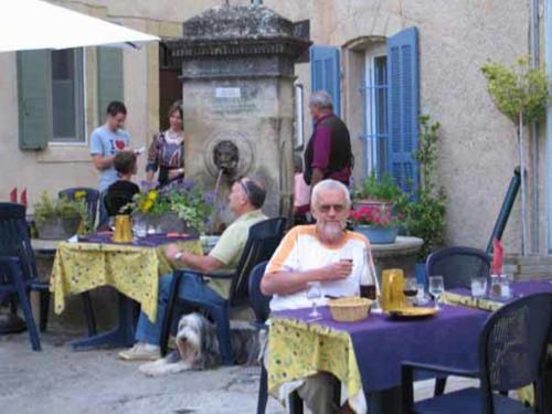 Walking in France: Dinner in Lourmarin