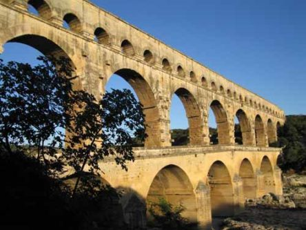 Walking in France: Early morning at the Pont du Gard