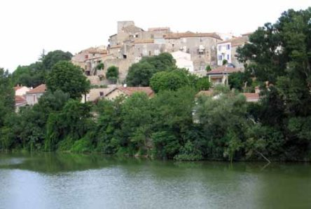 Walking in France: Looking back to Moussac