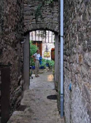 Walking in France: Exploring Puycelci