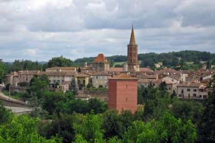 Walking in France: Passing Montricoux