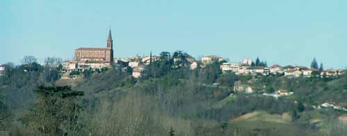 Walking in France: Approaching Lafrançaise
