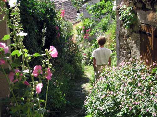 Walking in France: Exploring Montcuq