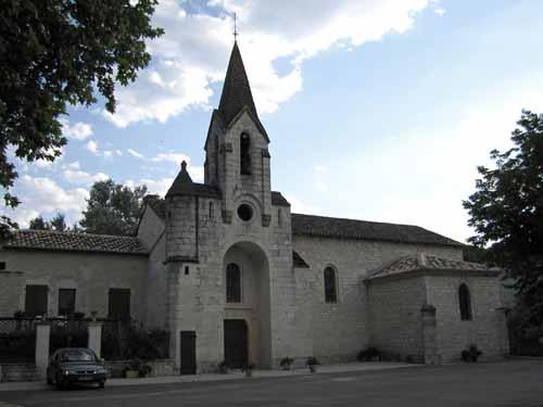 Walking in France: Church in Bagat-en-Quercy