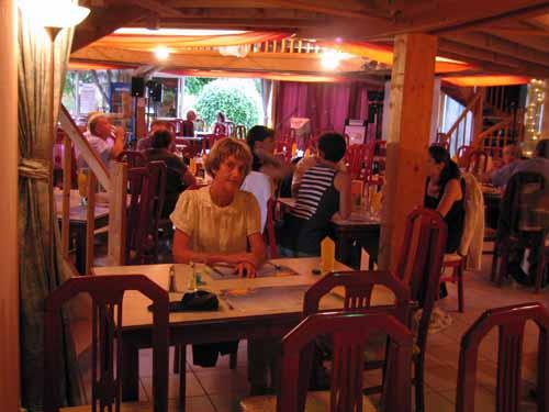 Walking in France: Waiting for dinner