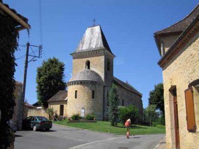 Walking in France: Passing through Saint-Cernin