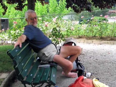 Walking in France: Lunch in Lalinde