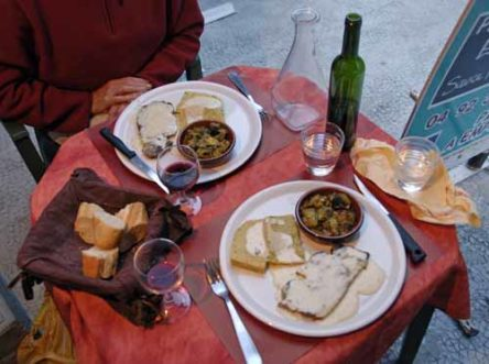 Walking in France: Pork chops, frittata and ratatouille for dinner