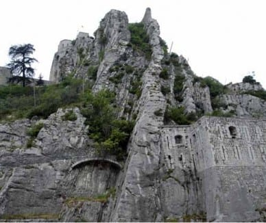 Walking in France: Looking up to the citadel as we left Sisteron